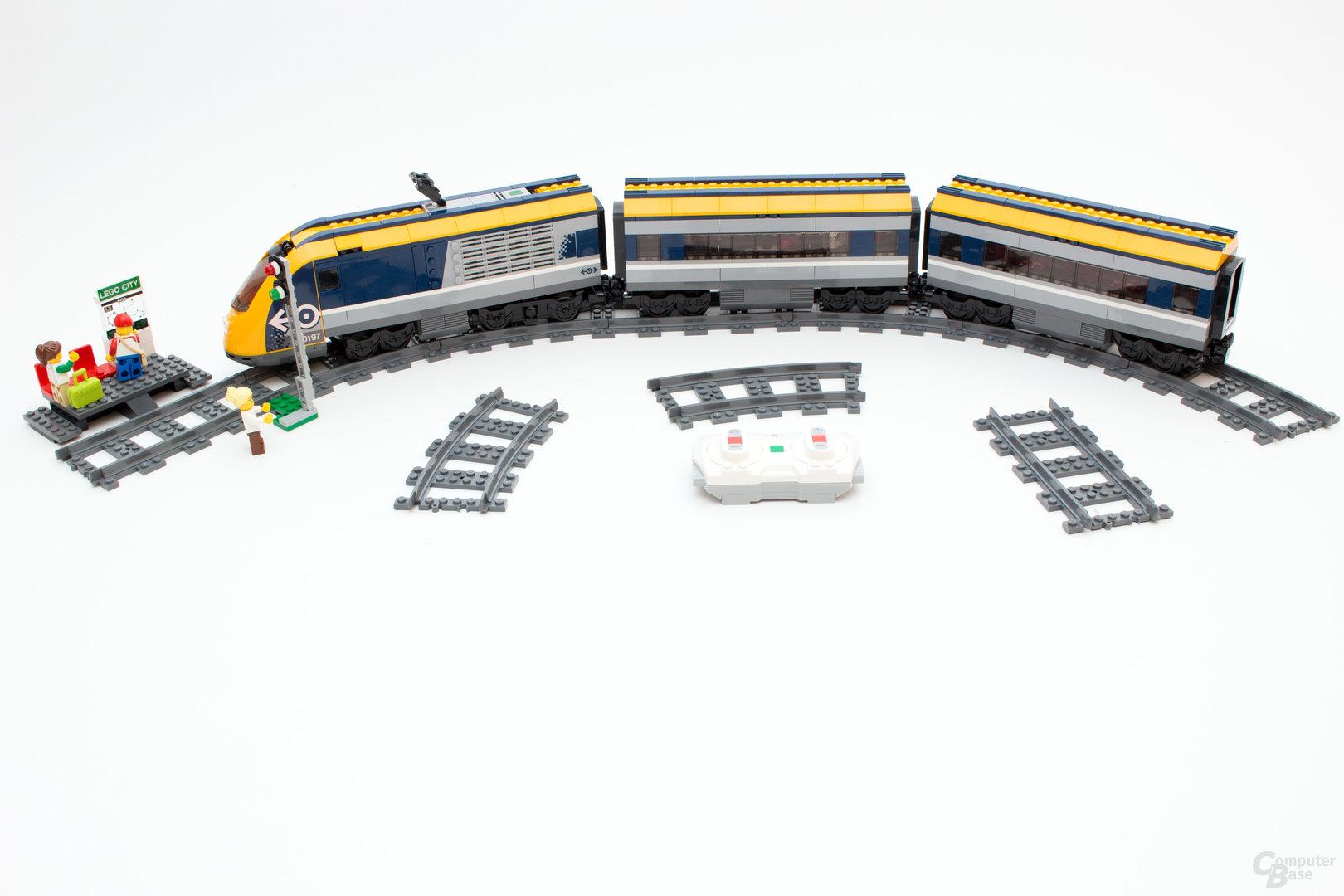 Der neue Personenzug 60197 von Lego samt neuen Power Functions