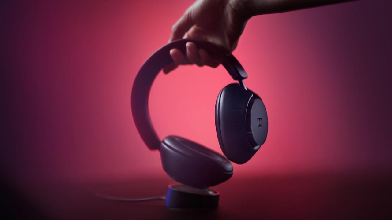 Dolby Dimension: Erster eigener Kopfhörer fürs Home Entertainment