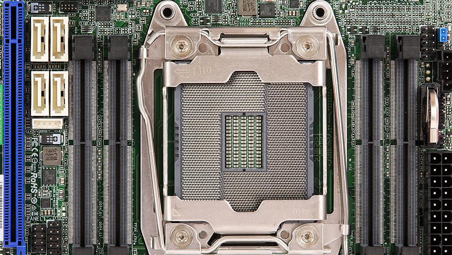 ASRock Rack X299 WSI/IPMI: Für 18 Kerne im Mini-ITX-Format mit Onboard-Grafik
