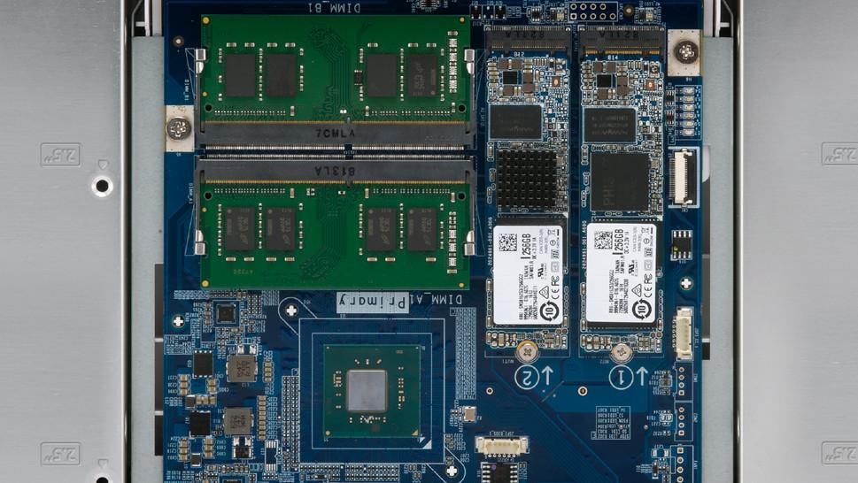 QNAP HS-453DX: Lüfterlos mit Intel-CPU, HDMI 2.0, M.2-SSD und 10GbE