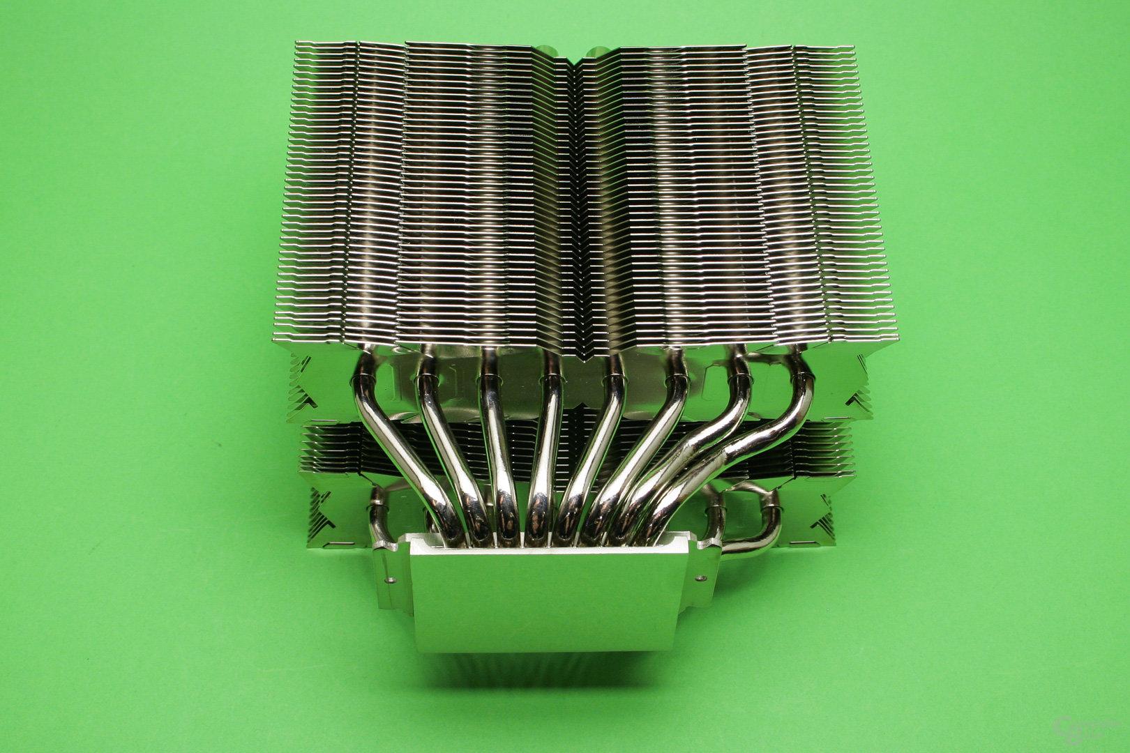 Thermalright Silver Arrow TR4: Doppelturm-Luftkühler mit versetztem Radiator