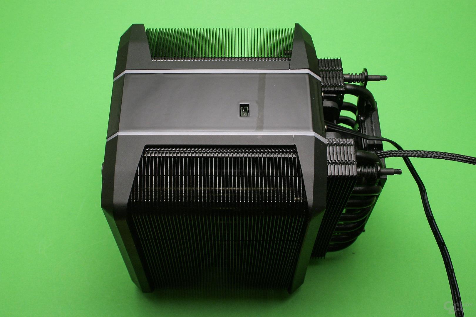 Cooler Master Wraith Ripper: Anschluss für die Steuerung der LED-Beleuchtung