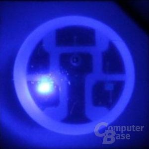 Blau leuchtende RGB-LED