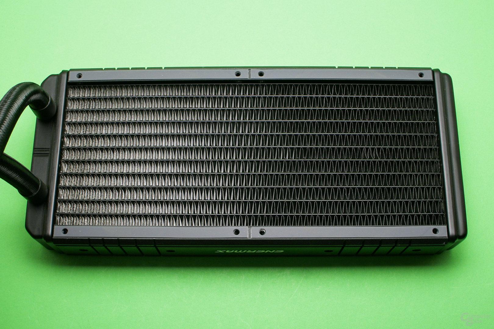 Enermax Liqtech 240 TR4: Der Radiator ist gut verarbeitet