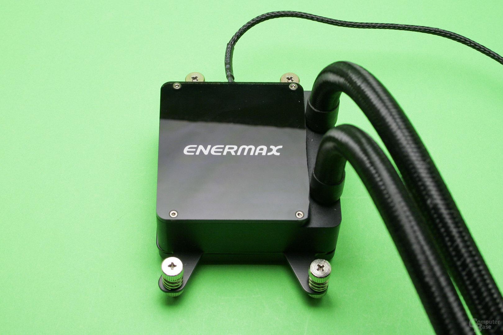 Enermax Liqtech 240 TR4: Kühler-/Pumpeneinheit mit glänzender Oberseite