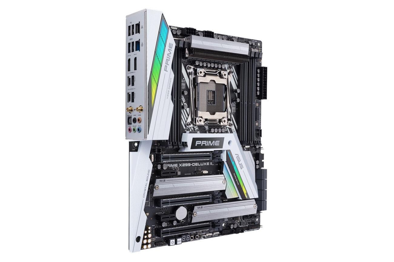 Asus Prime X299-Deluxe II von der Seite