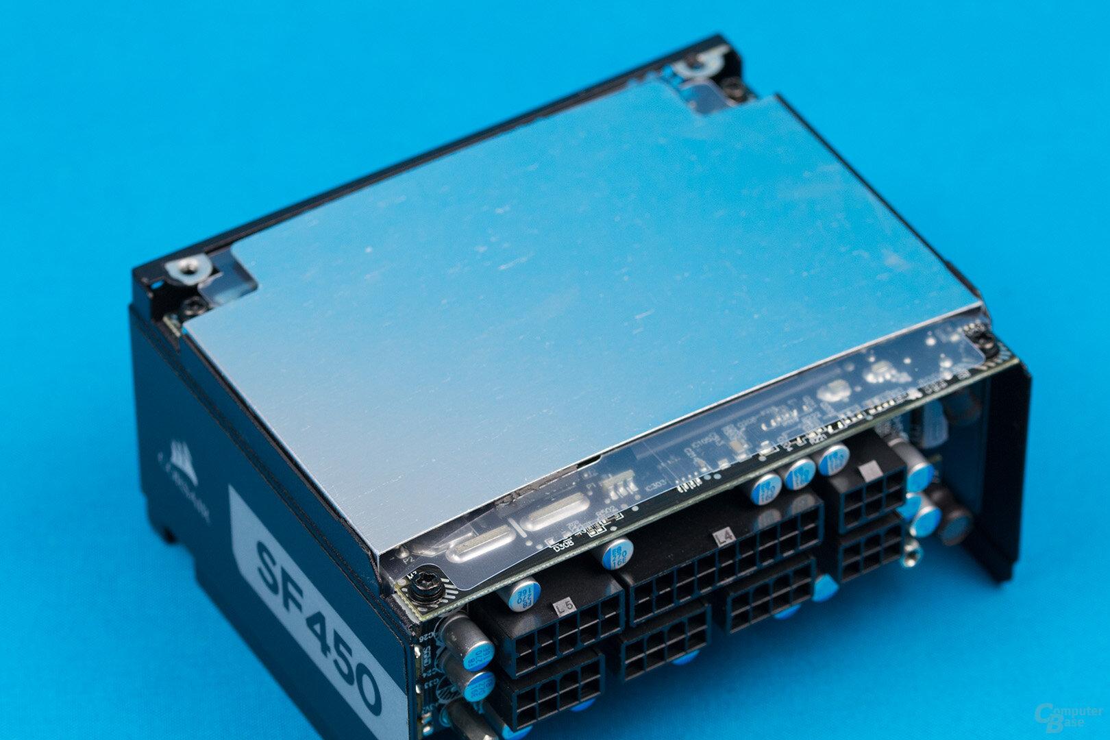 Corsair SF450 Platinum – Rückseite mit Aluschirm