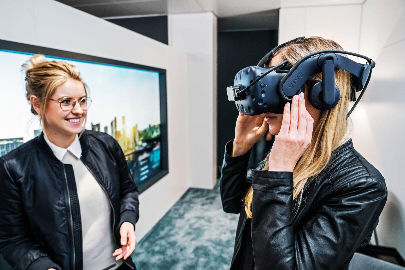 BMW nutzt für die VR-Probefahrt eine HTC Vive Pro
