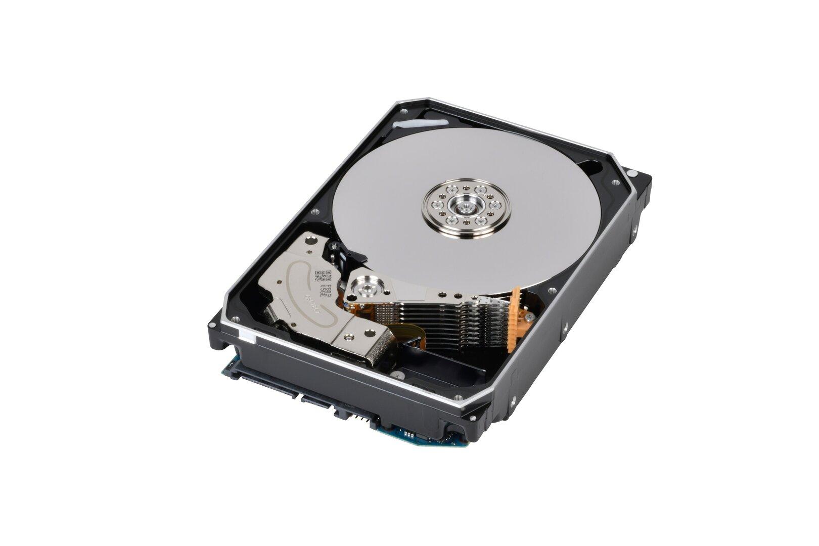 Toshibas Enterprise-HDD MG08ACA mit 16 TB auf neun Plattern