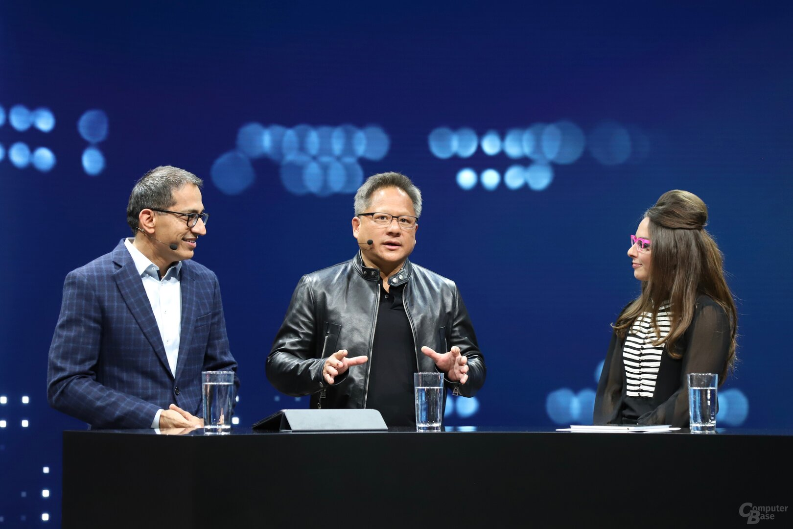 Sajjad Khan (Daimler) und Jensen Huang (Nvidia) auf der CES 2019