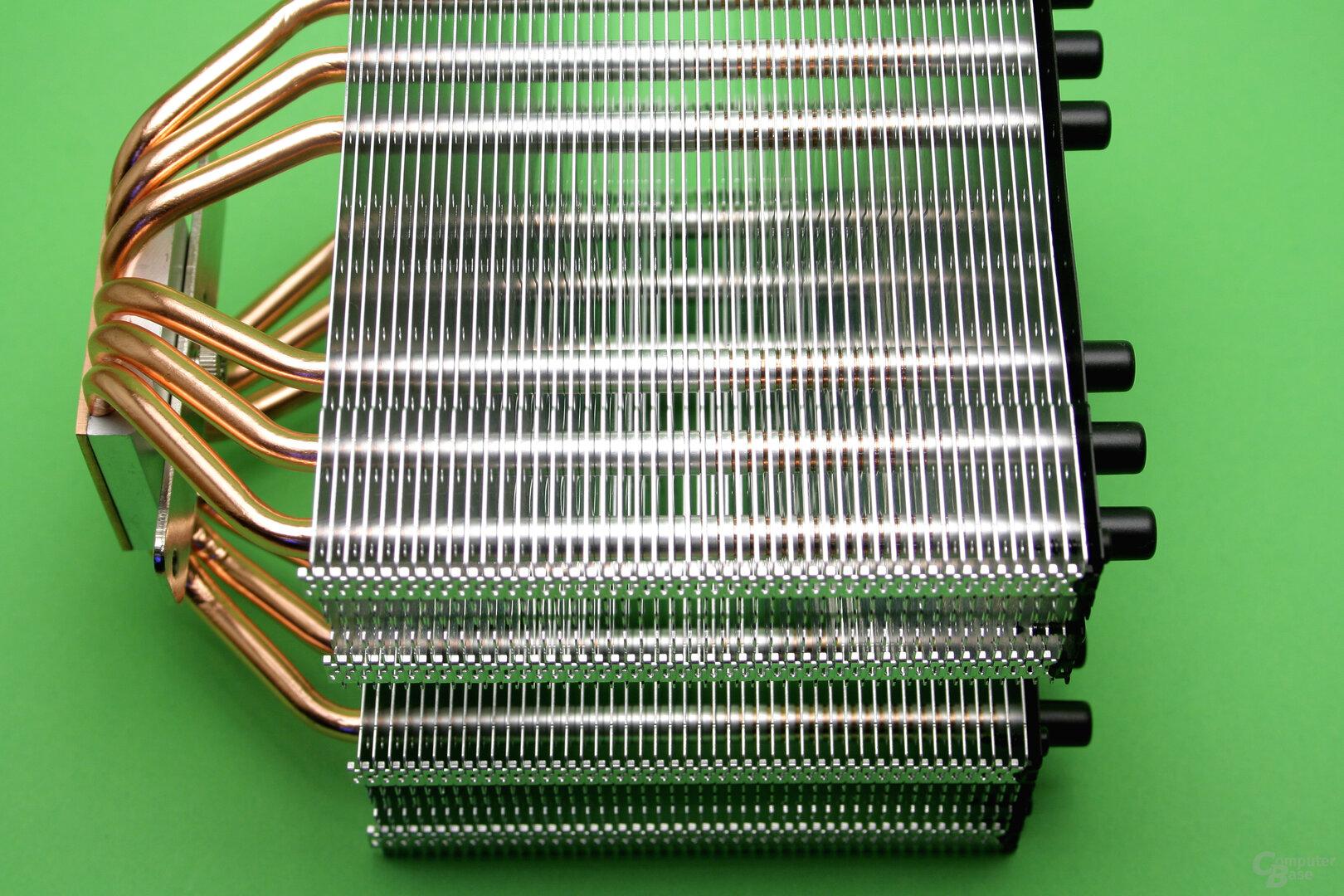 SilentiumPC Grandis 2: Blick auf die Aluminium-Lamellen
