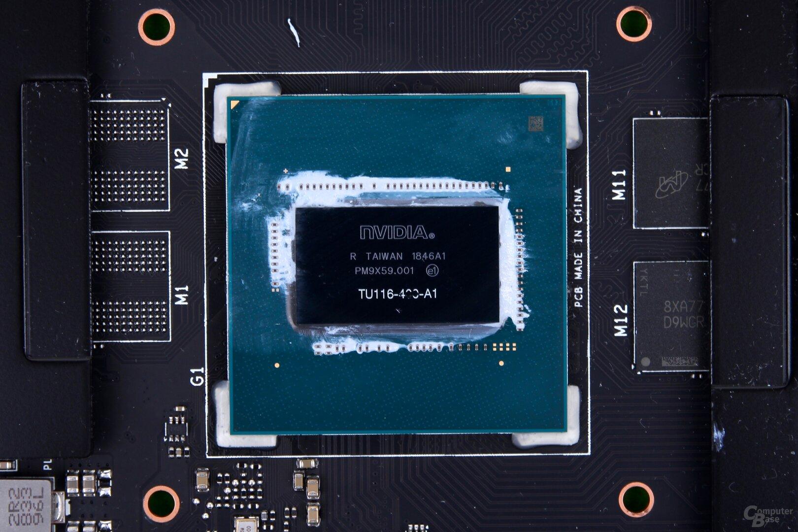 Die Turing-GPU TU116 auf der Grafikkarte von Asus
