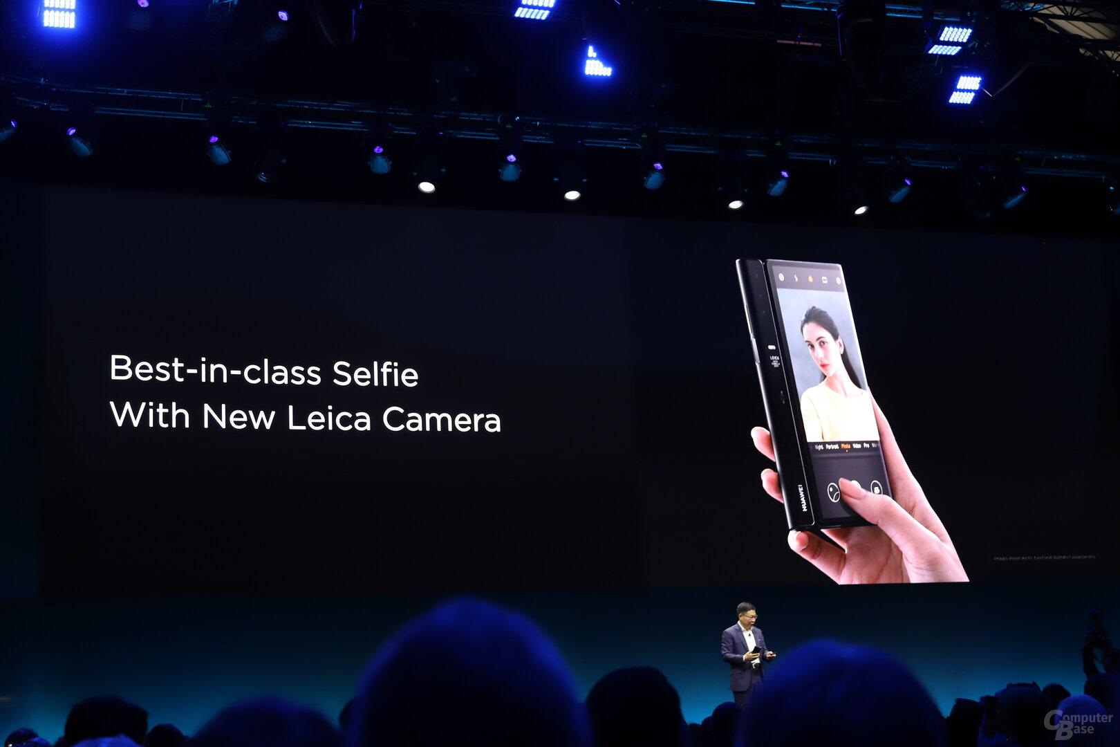 Die Haupt- ist dank Display auf der Rückseite auch die Selfie-Kamera