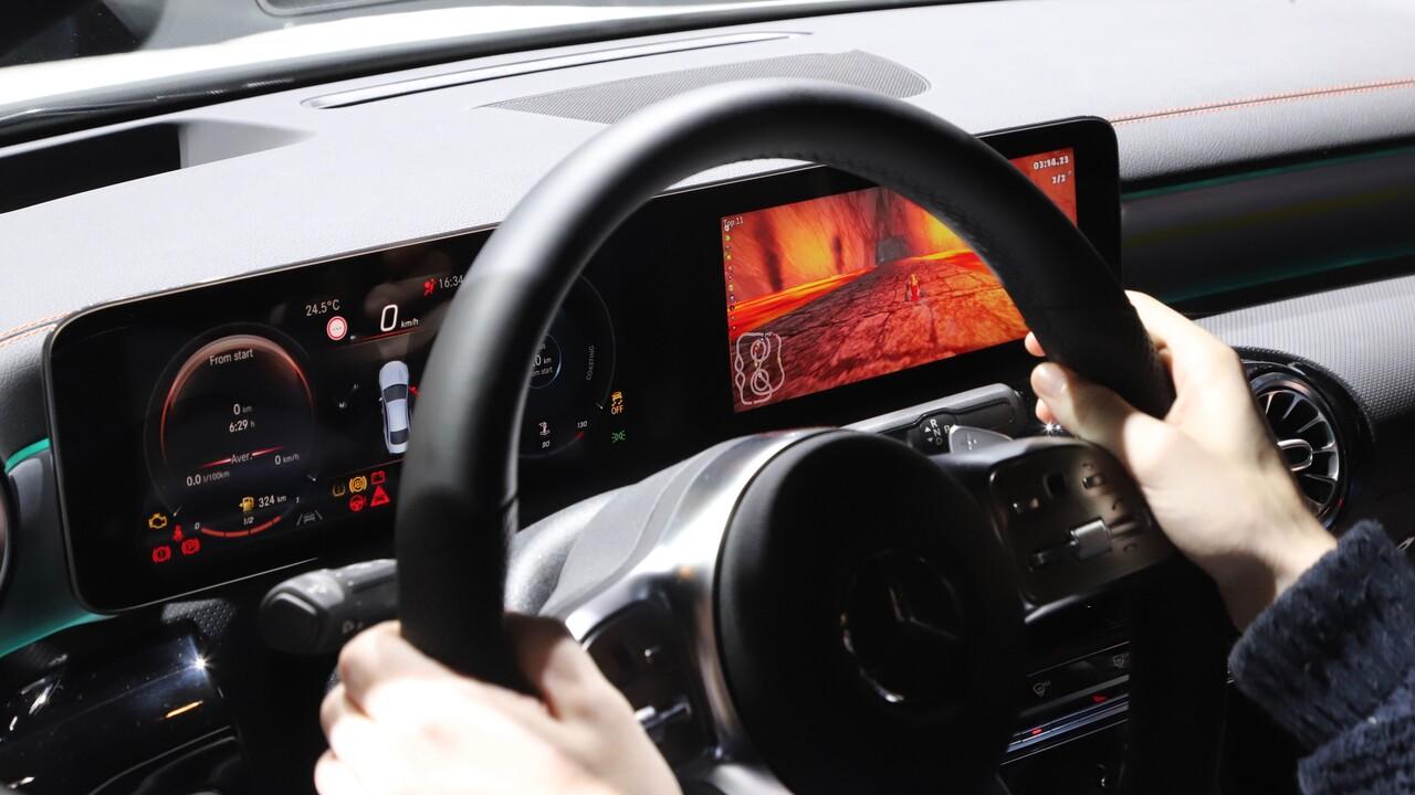 MBUX-Gaming: In diesem Auto steuert der Fahrer einen Mario-Kart-Klon