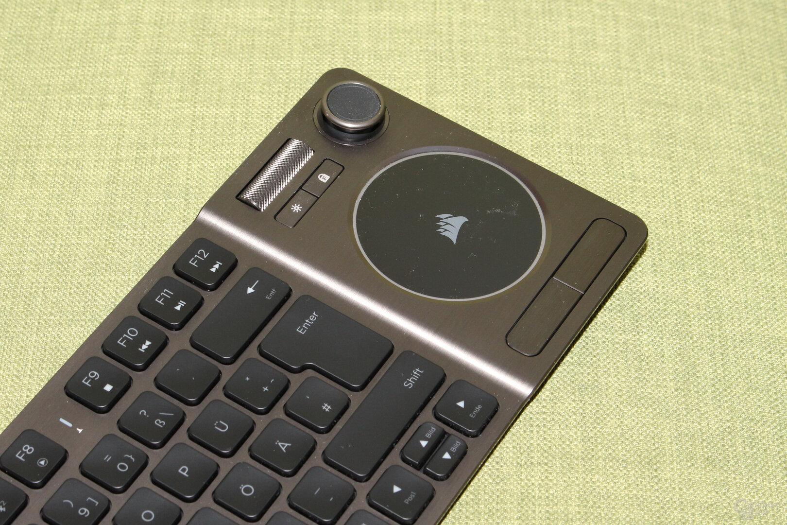 Der Joystick ist eine sinnvolle Ergänzung, erzeugt aber keinen Gaming-Controller