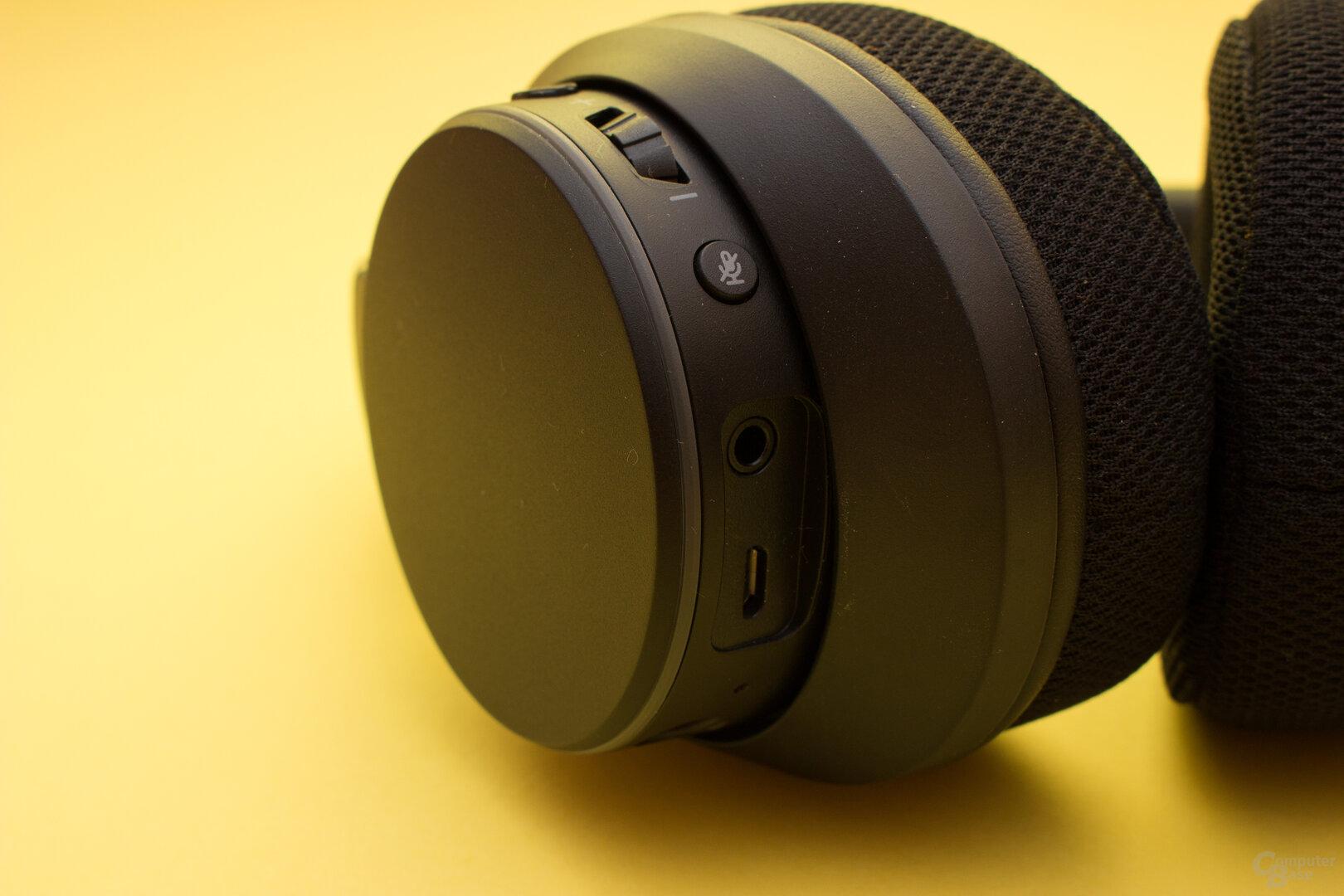 Viele Bedienelemente direkt am HeadsetCreative SXFI Air C im Test