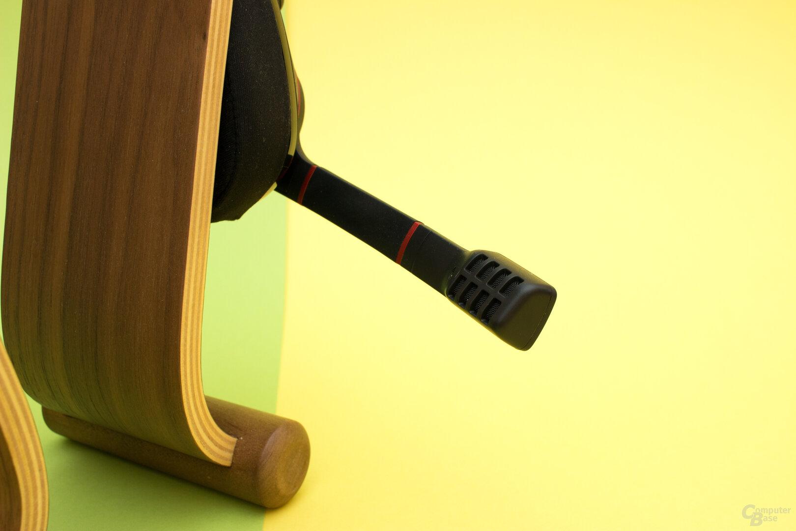 Das ausklappbare Mikrophon hinterlässt einen soliden Eindruck