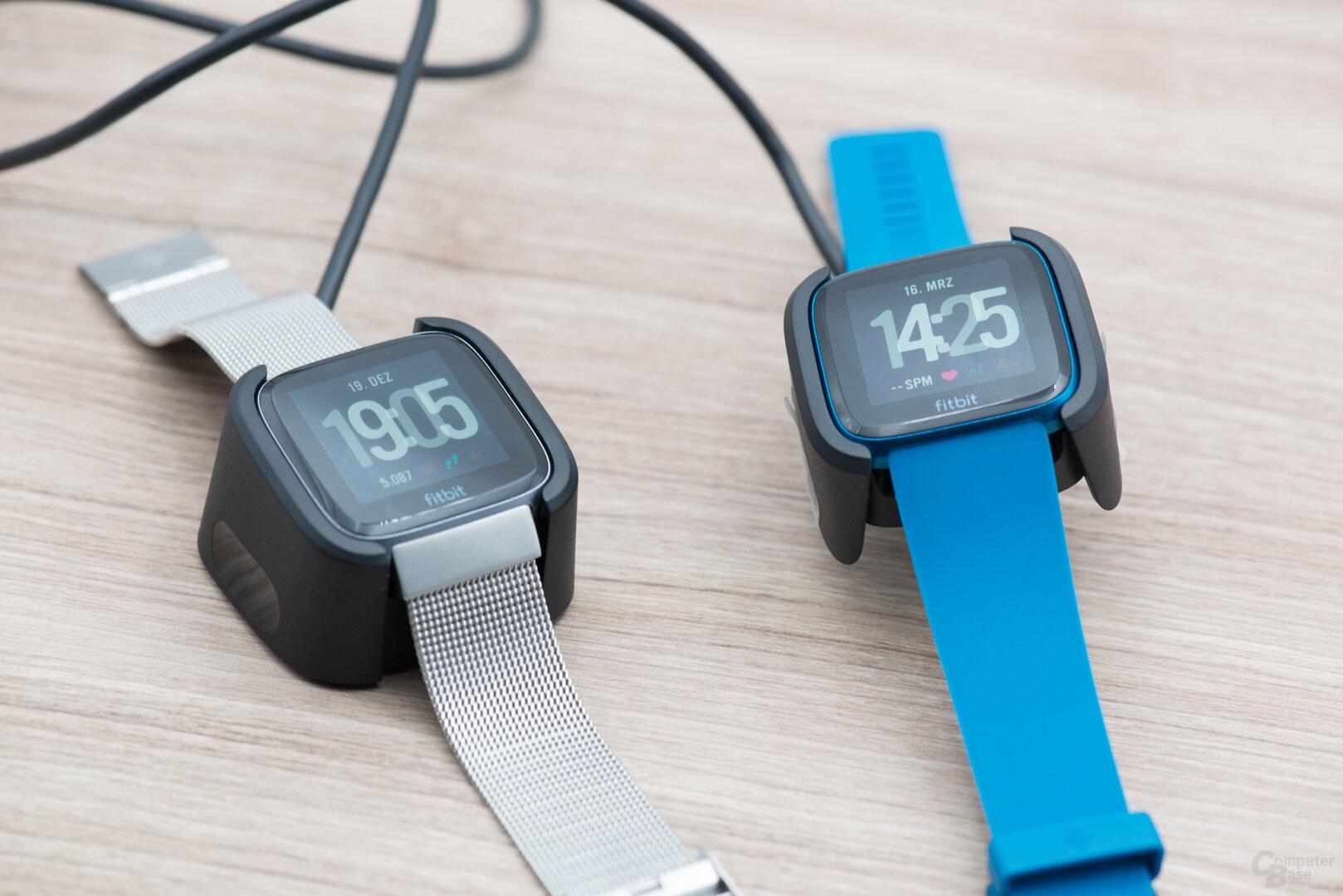 Fitbit Versa und Versa Lite: Ladesysteme