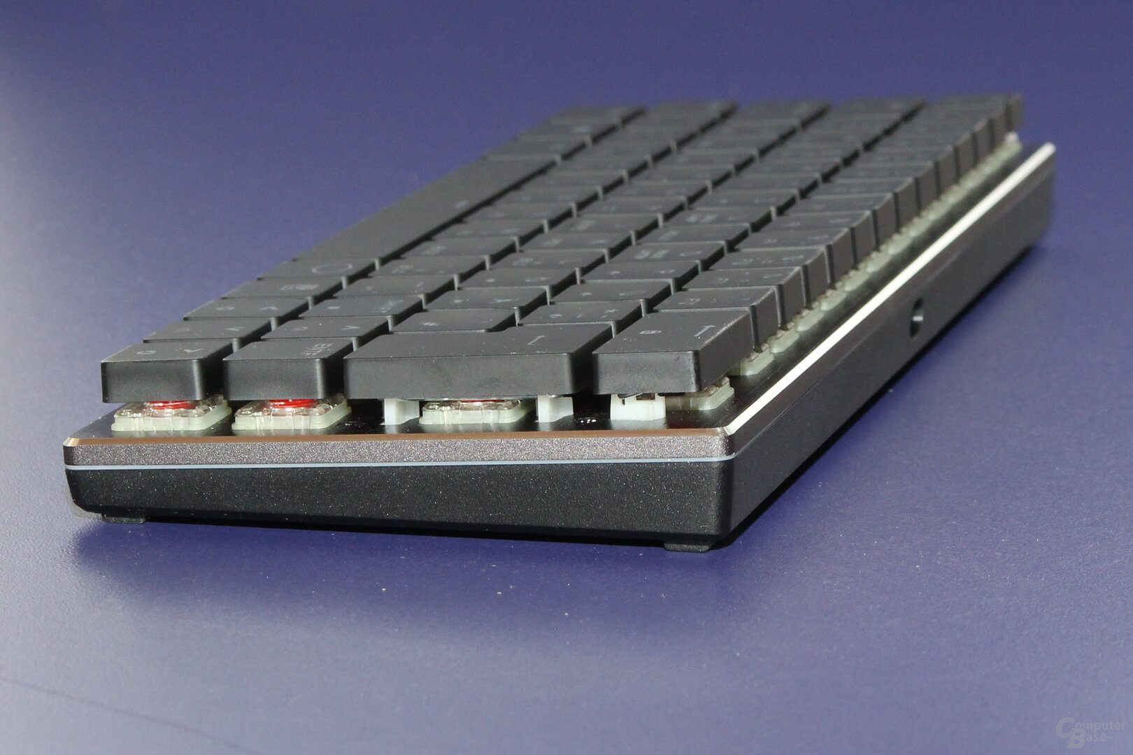 Mit X° bleibt die Tastatur flach