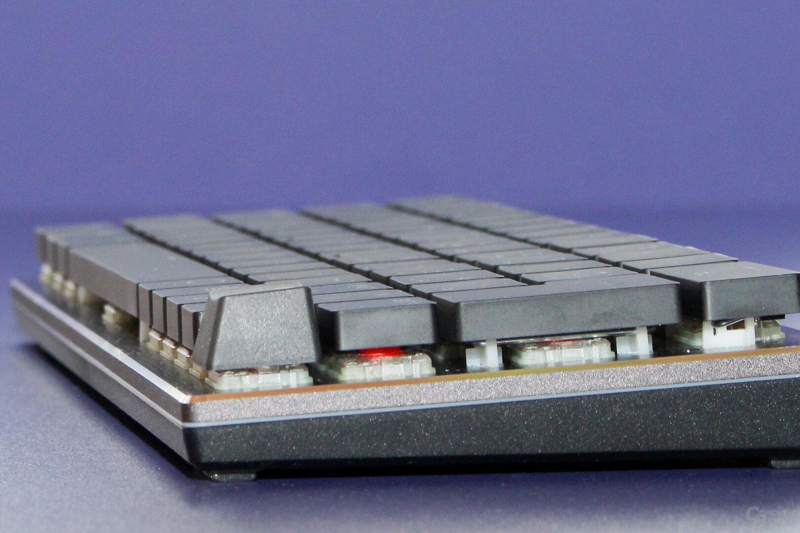 Cooler Master nutzt besonders flache Kappen auf den SK-Tastaturen