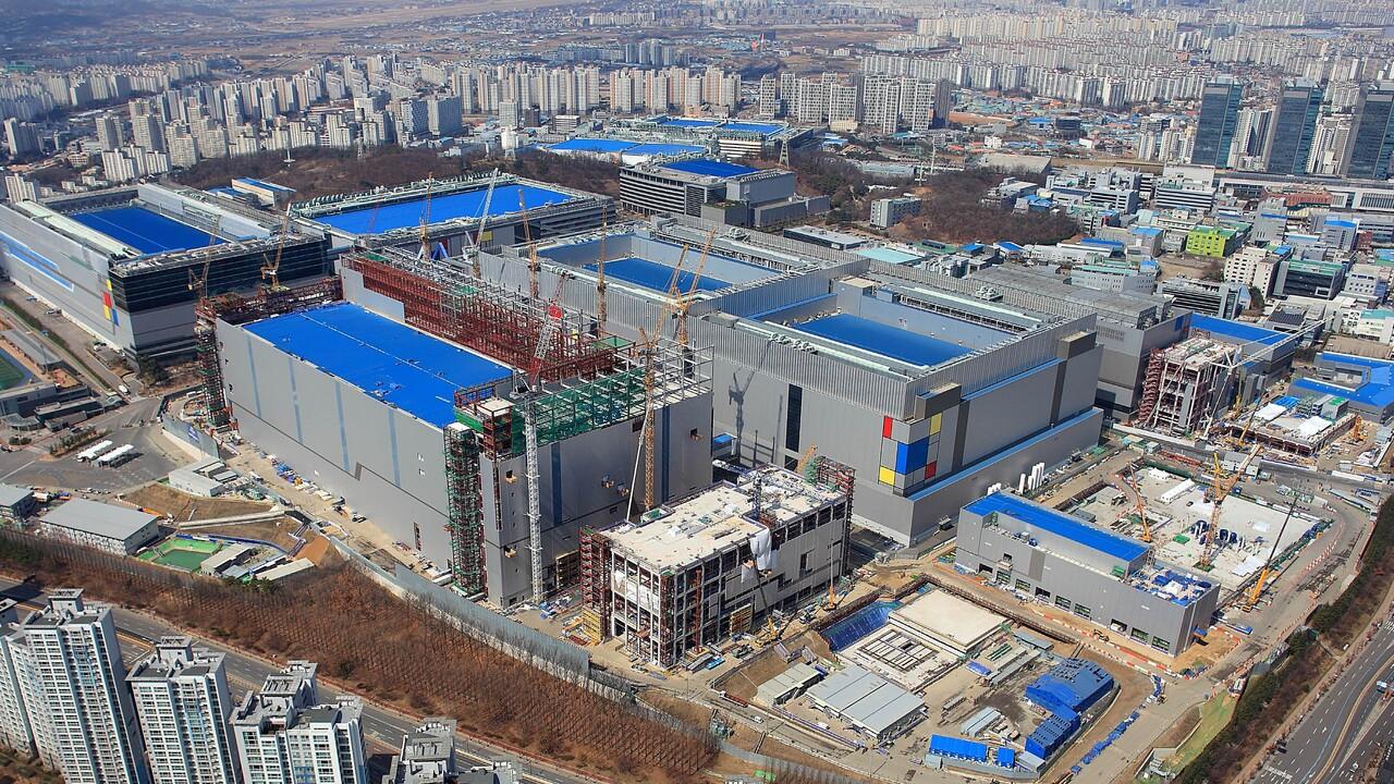 EUV-Fertigung: Samsungs 5-nm-Prozess ist fertig und 6 nm im Tape-out