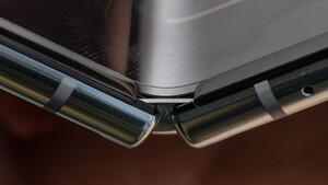 Teardown: Galaxy Fold hat laut iFixit zu viele Öffnungen für Schmutz