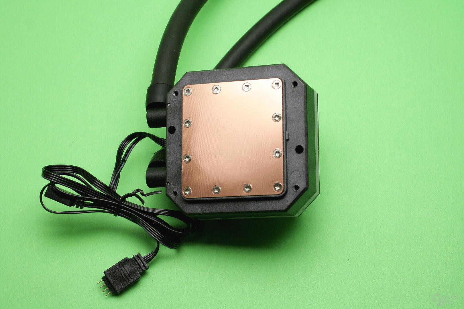 SilentiumPC Navis 280 RGB: Unterseite der Kühler-/Pumpeneinheit