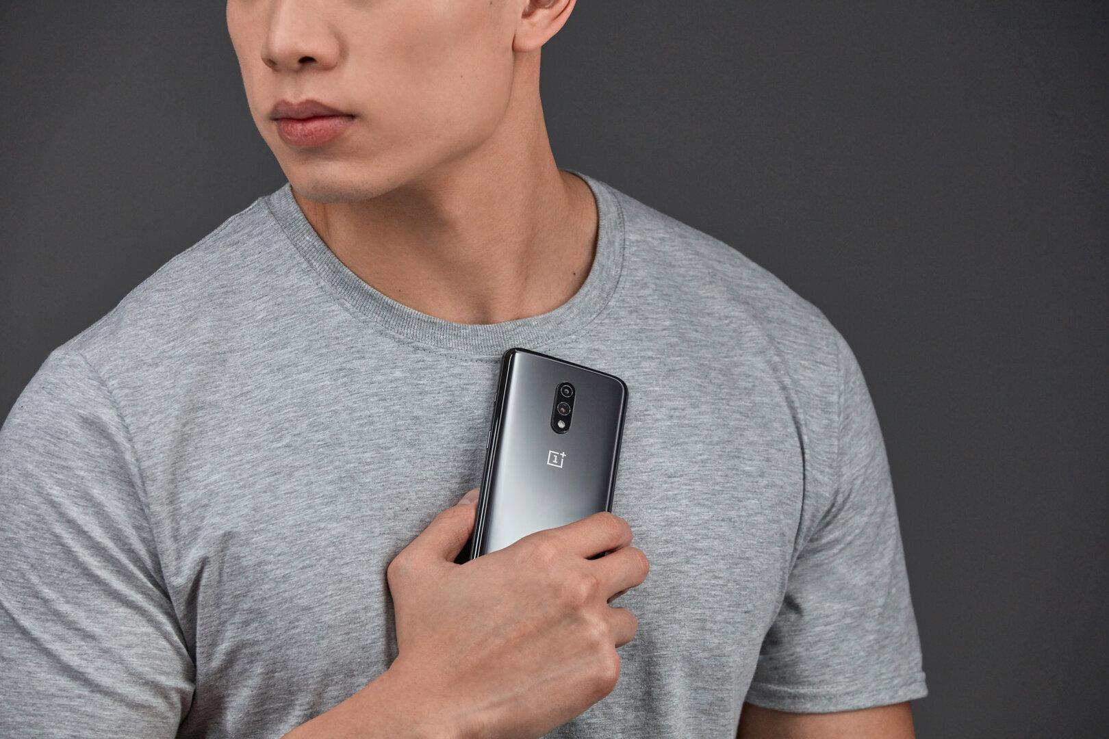 OnePlus 7 Pro in Mirror Gray