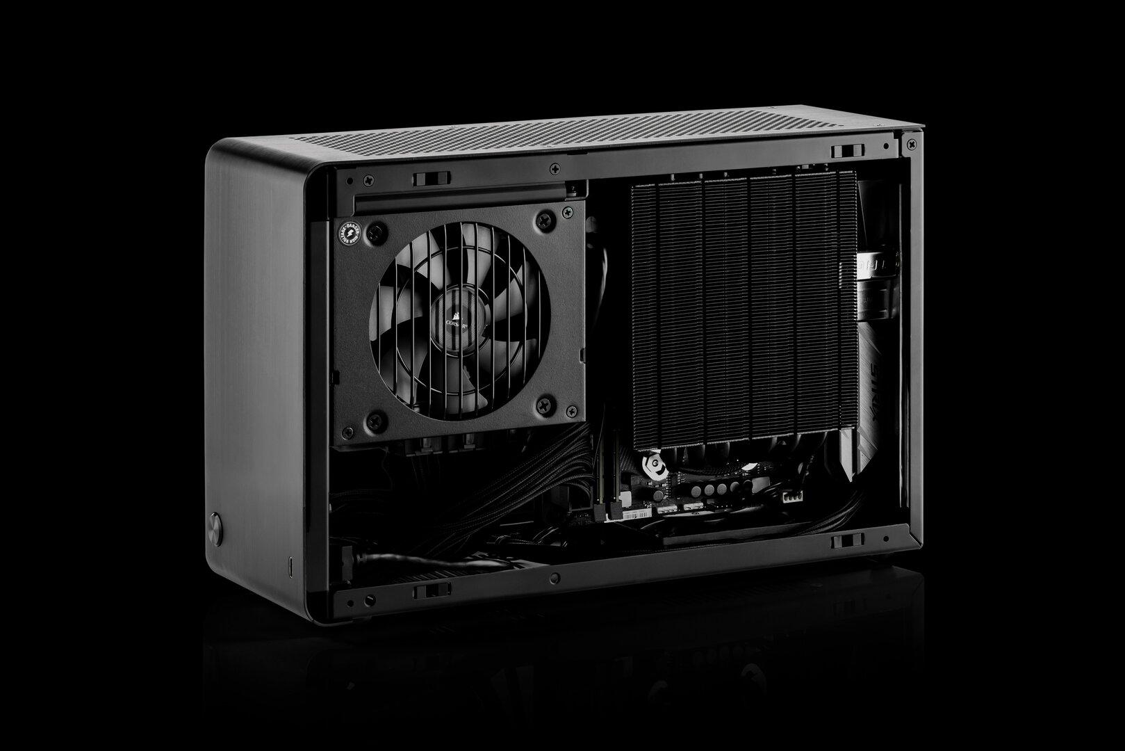 DAN Cases A4-SFX v4 mit installierter Hardware (CPU-Seite)