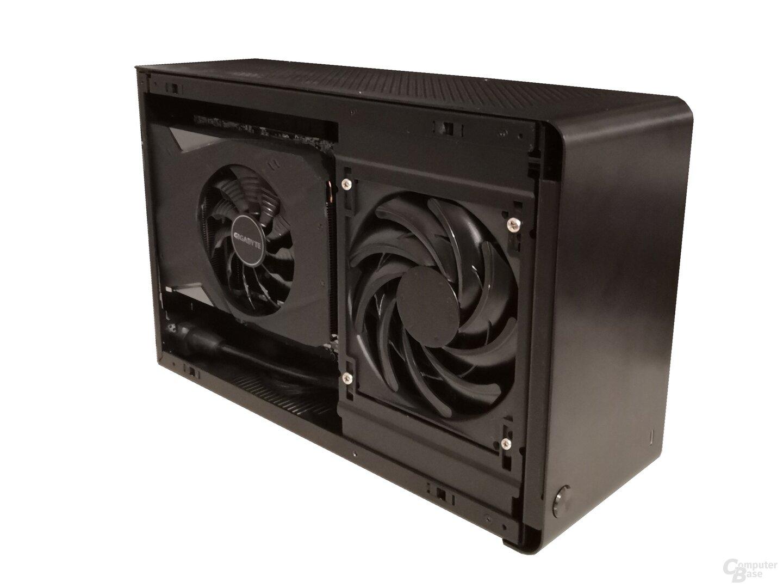 Passgenau: Gigabytes Mini-GeForce-RTX-2070 neben der AiO von Corsair