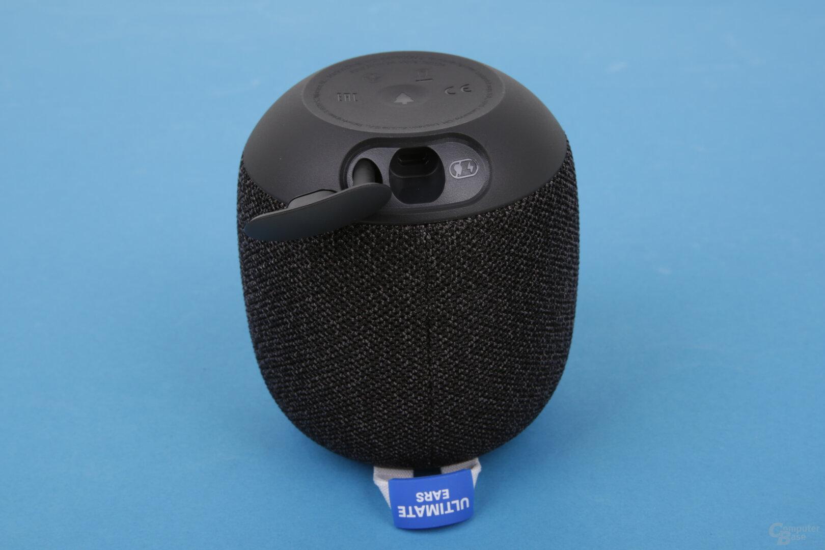 Ultimate Ears Wonderboom 2: Micro-USB unter Abdeckung