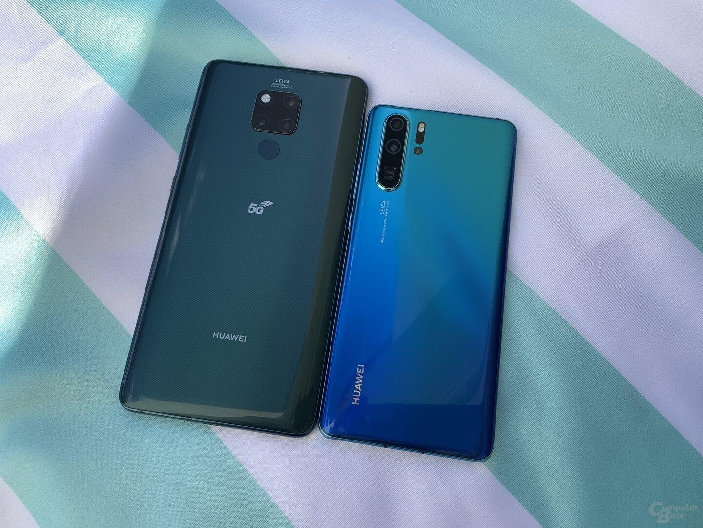 Huawei Mate 20 X 5G neben P30 Pro