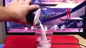 Salty Rage Quit Controller: Salz-Eingabegerät persifliert unreife Spieler