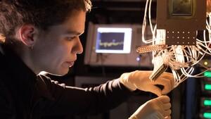 Nachwuchs und Hardware: Jülich und Google forschen zusammen am Quantencomputer