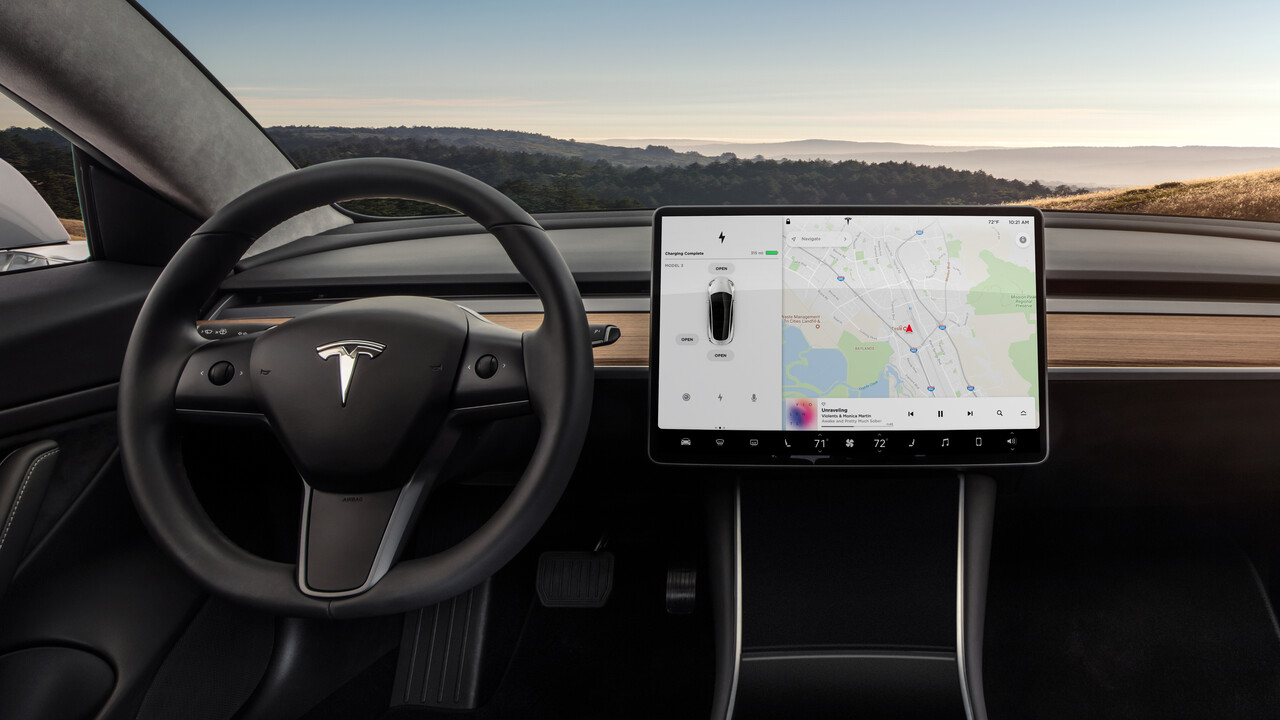 FSD-Computer: Tesla will Netflix und YouTube während der Fahrt erlauben