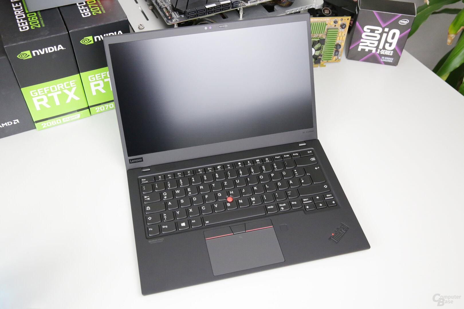ThinkPad X1 Carbon G7 geöffnet