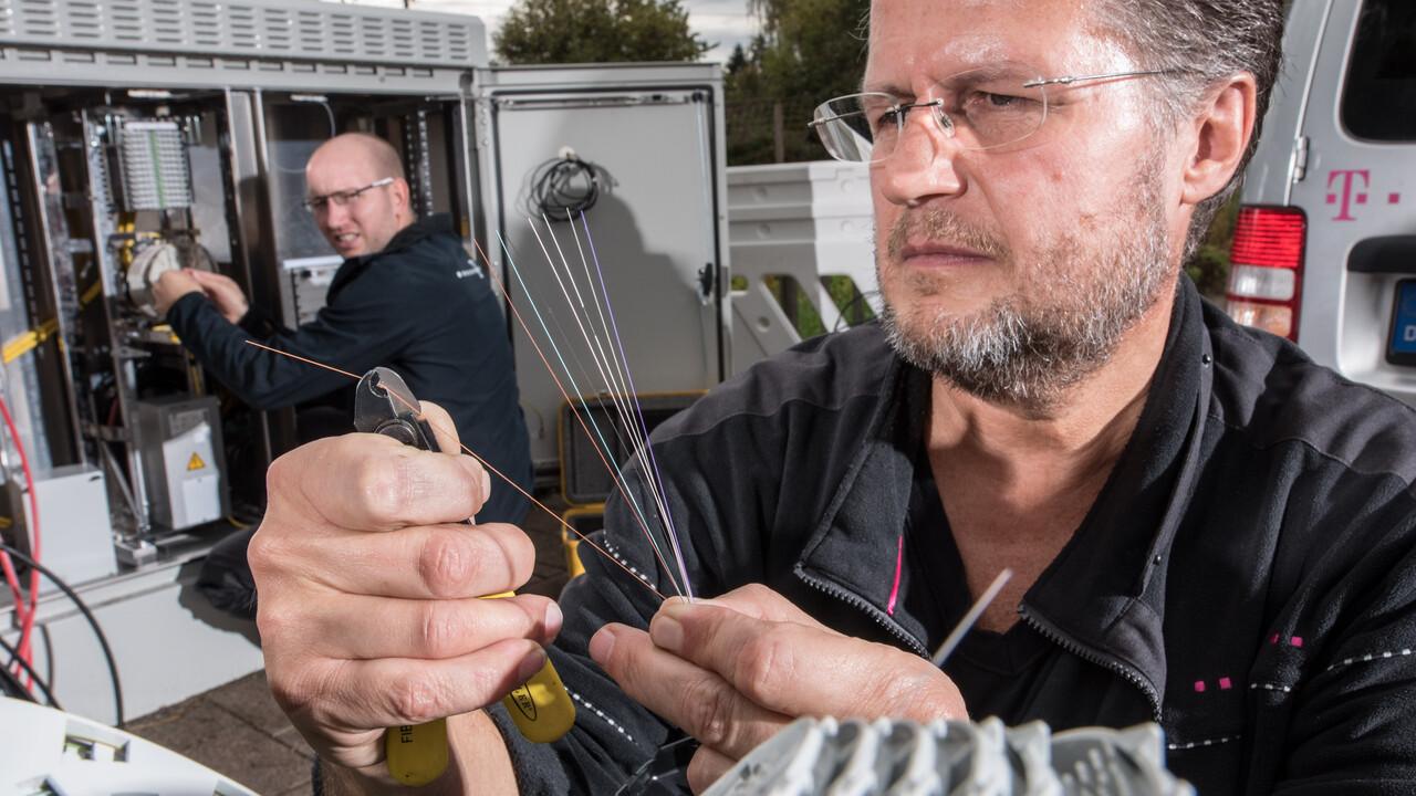 I.R.I.S.: Telekom will Glasfaser-Ausbau mit KI-Fahrzeug beschleunigen