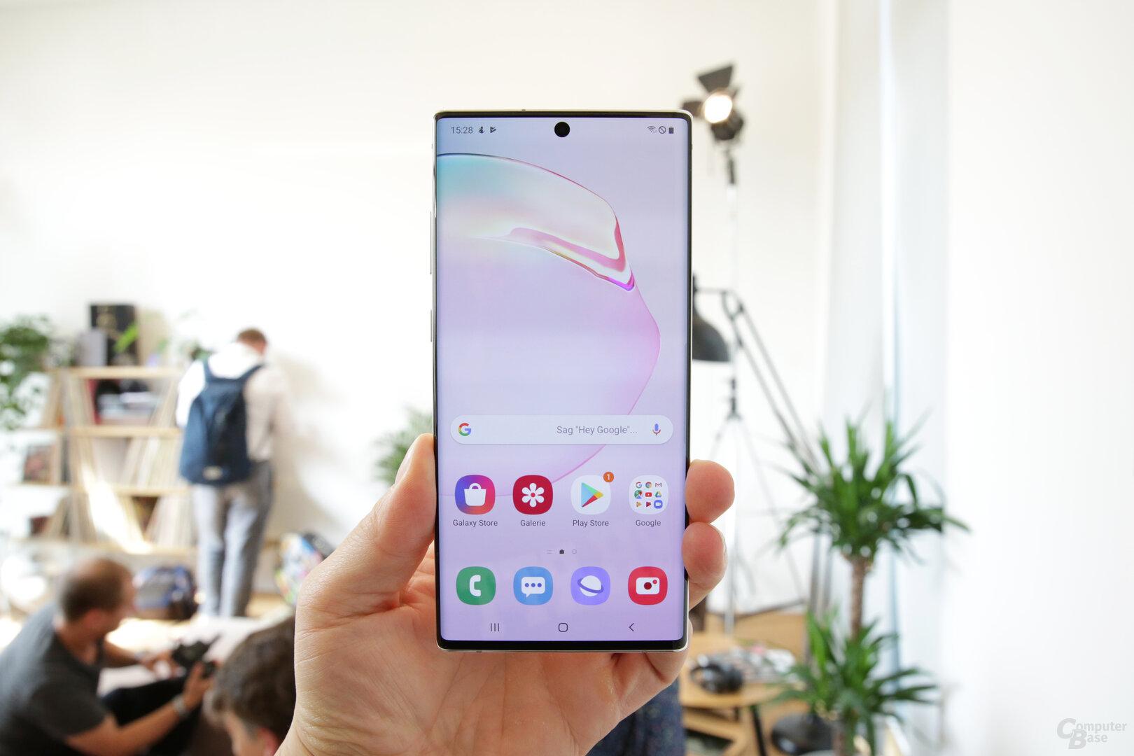 Die Ränder hat Samsung noch dünner gestaltet