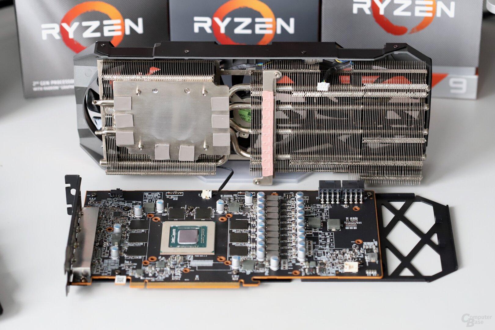 Blick auf das PCB mit demontiertem Kühlsystem