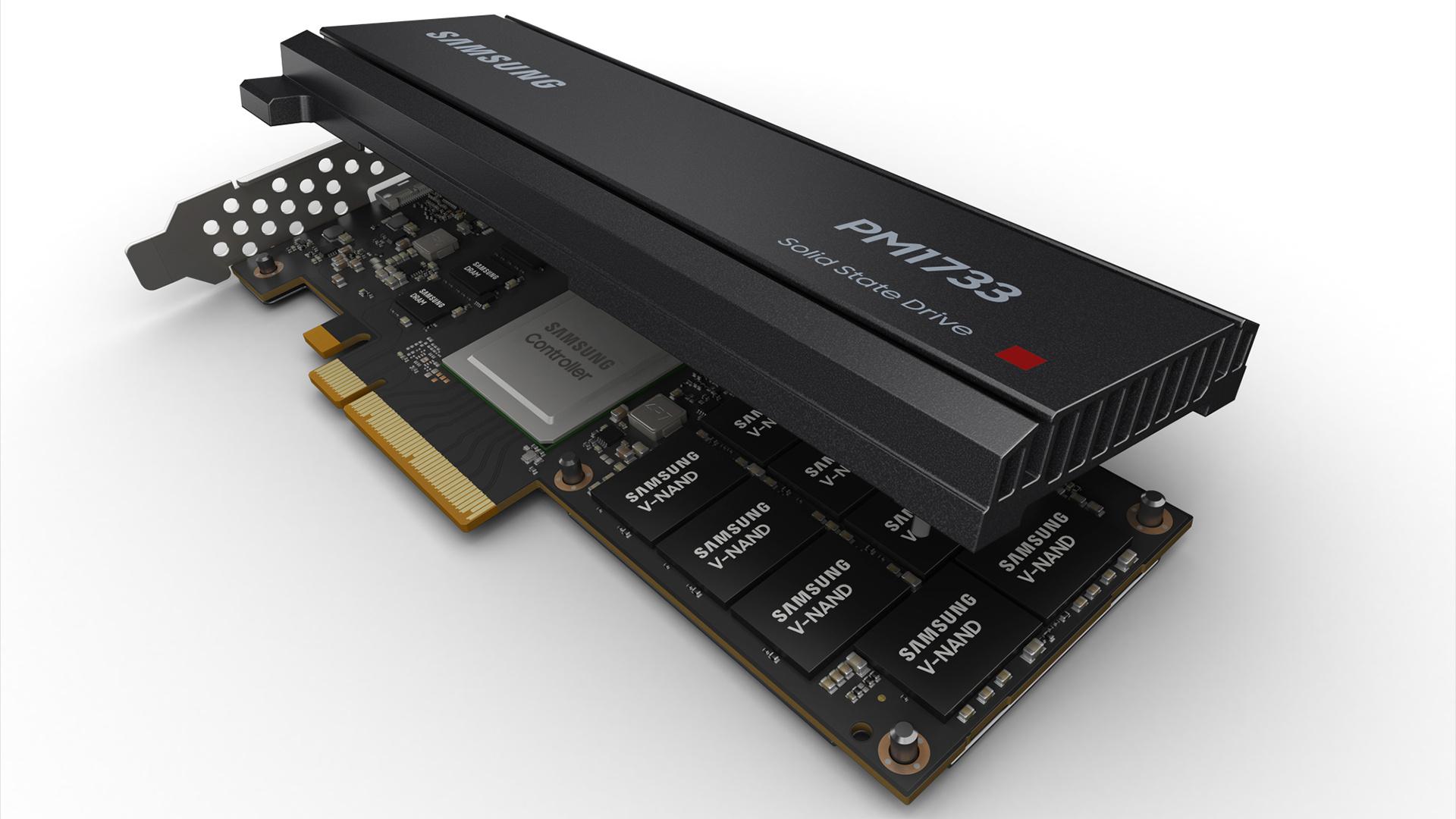 Samsung PM1733 im HHHL-Format