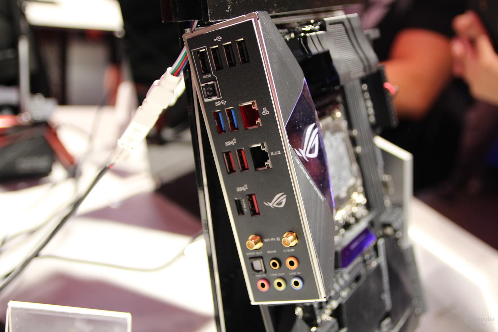 Gigabit-NIC und 2,5-Gbit/s-LAN am I/O-Bereich des ROG Strix X299-E Gaming II