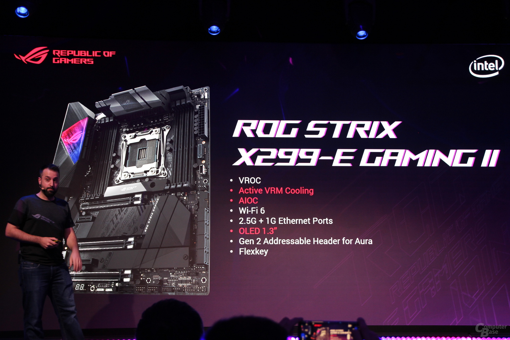 Asus ROG Strix X299-E Gaming II mit OLED-Display und 12 Phasen ...