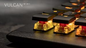 Roccat: Neue Vulcan-Tastaturen bieten lineare Titan-Taster