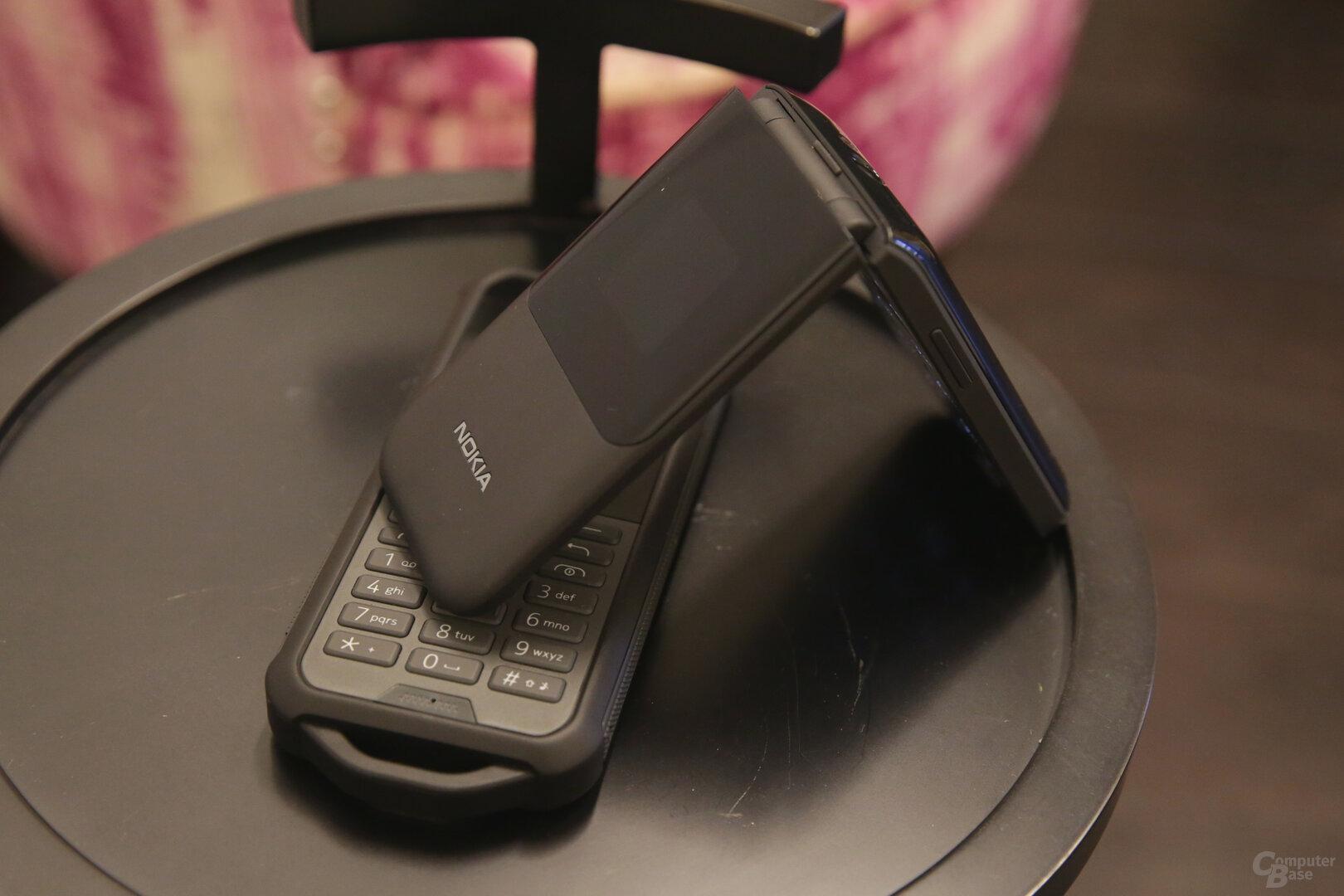 Nokia 2720 Flip auf Nokia 800 Tough