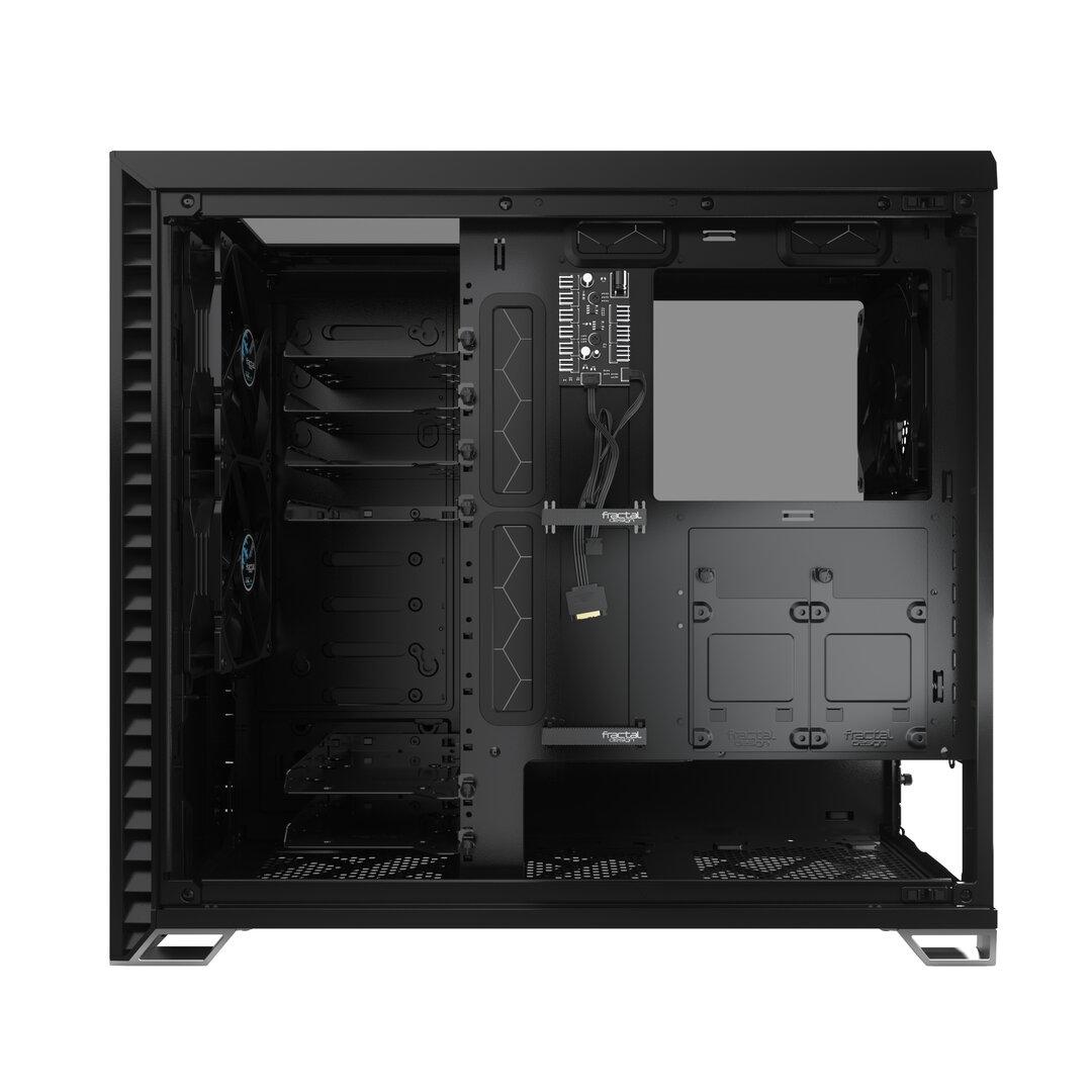 Viel Platz für HDDs und SSDs hinter dem Mainboard