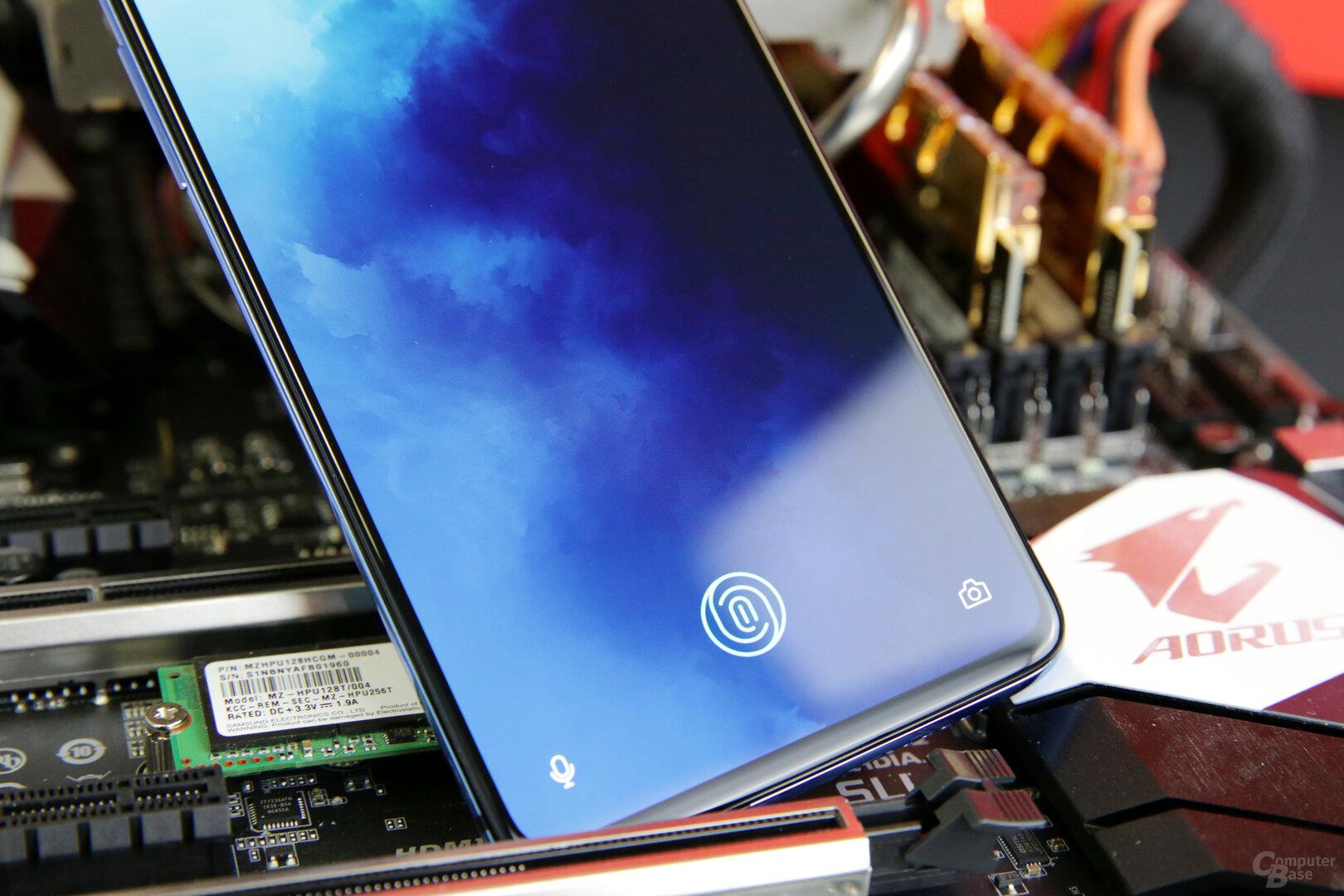 Schneller Fingerabdrucksensor integriert in das Display