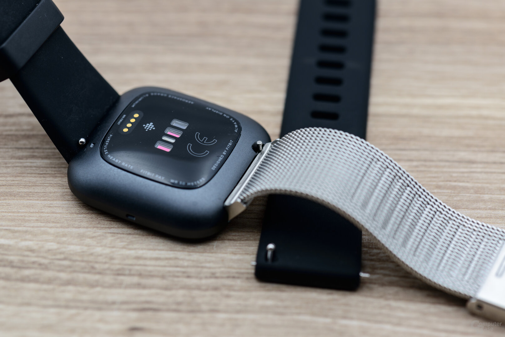 Fitbit Versa 2: Wechselbares Armbad