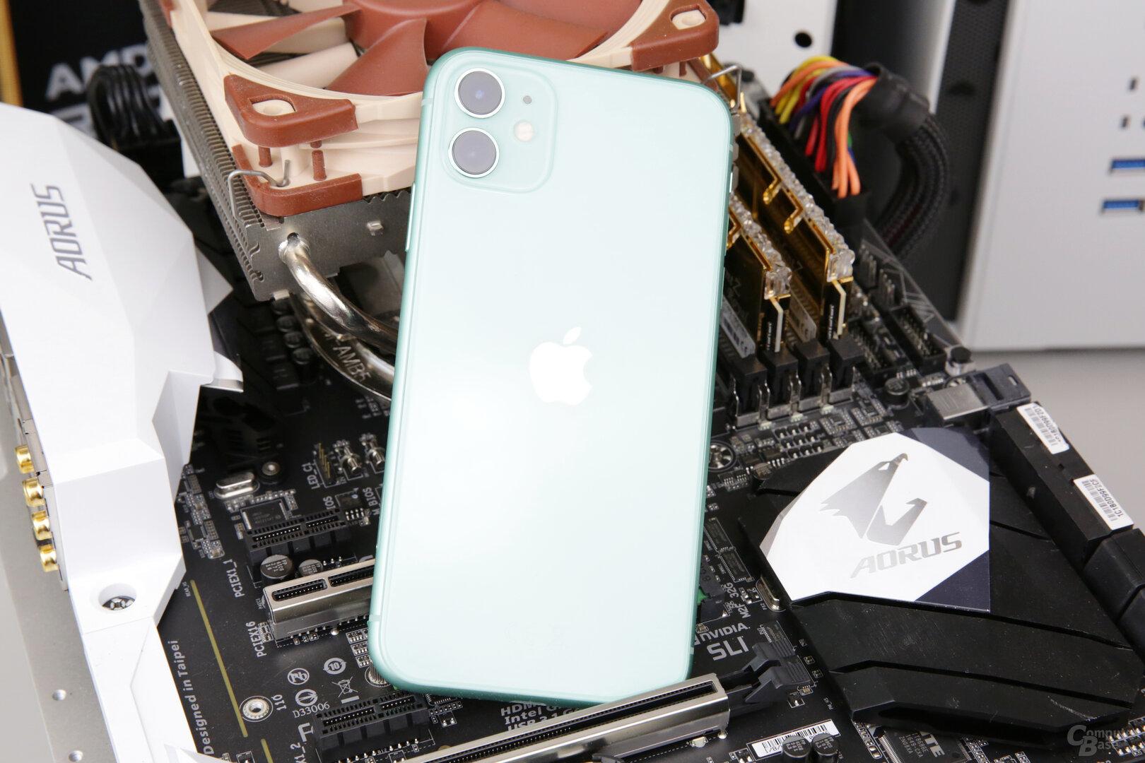 Schlichtes Design beim iPhone 11 ohne dritte Linse