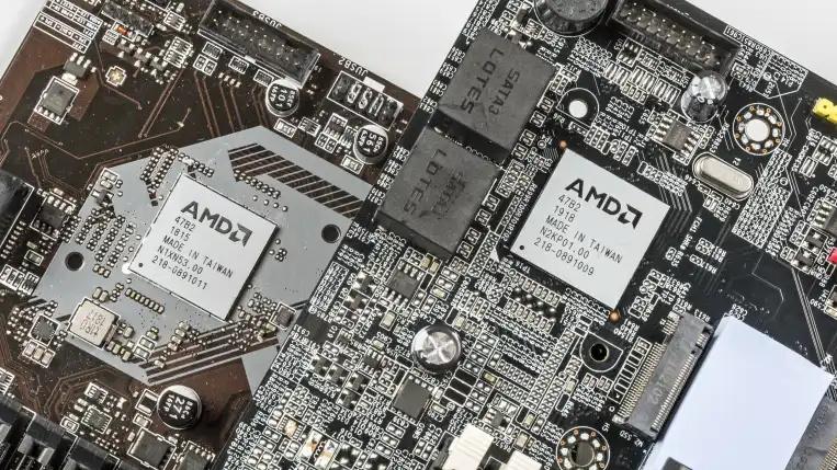 Beim B450 (links) und B550A (rechts) handelt es sich um den gleichen Chip