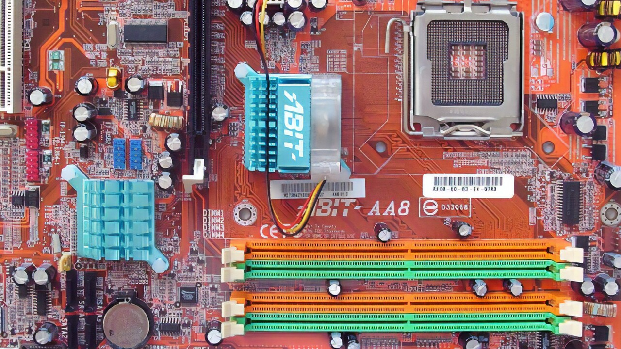 Im Test vor 15 Jahren: Mainboards mit Sockel 775 von Abit hatten das Nachsehen